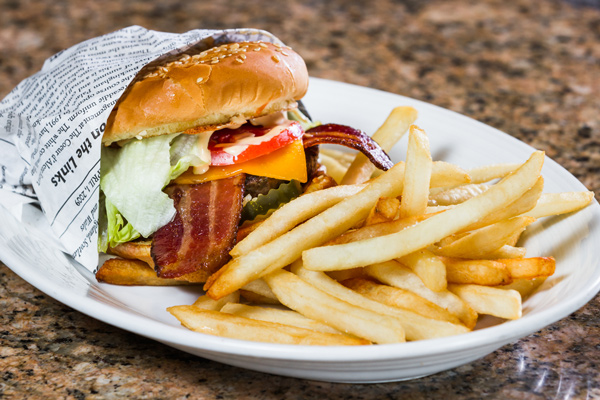Dockside-Signature-Burger-with-Cheese-and-Bacon-01
